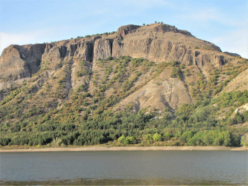 Скален масив Моняк