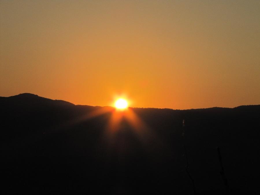 Изгрев над Падало