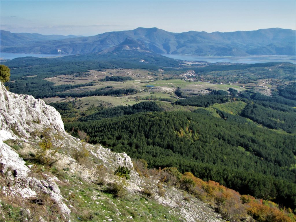 Кулата Иванци. От запад на изток тези чудни кътчета в Източните Родопи могат да бъдат цел на следващата ваша ваканция в магичната планина.