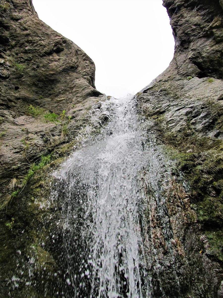 Коневски водопад през май