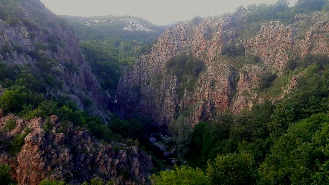 Гледка от Коневския водопад