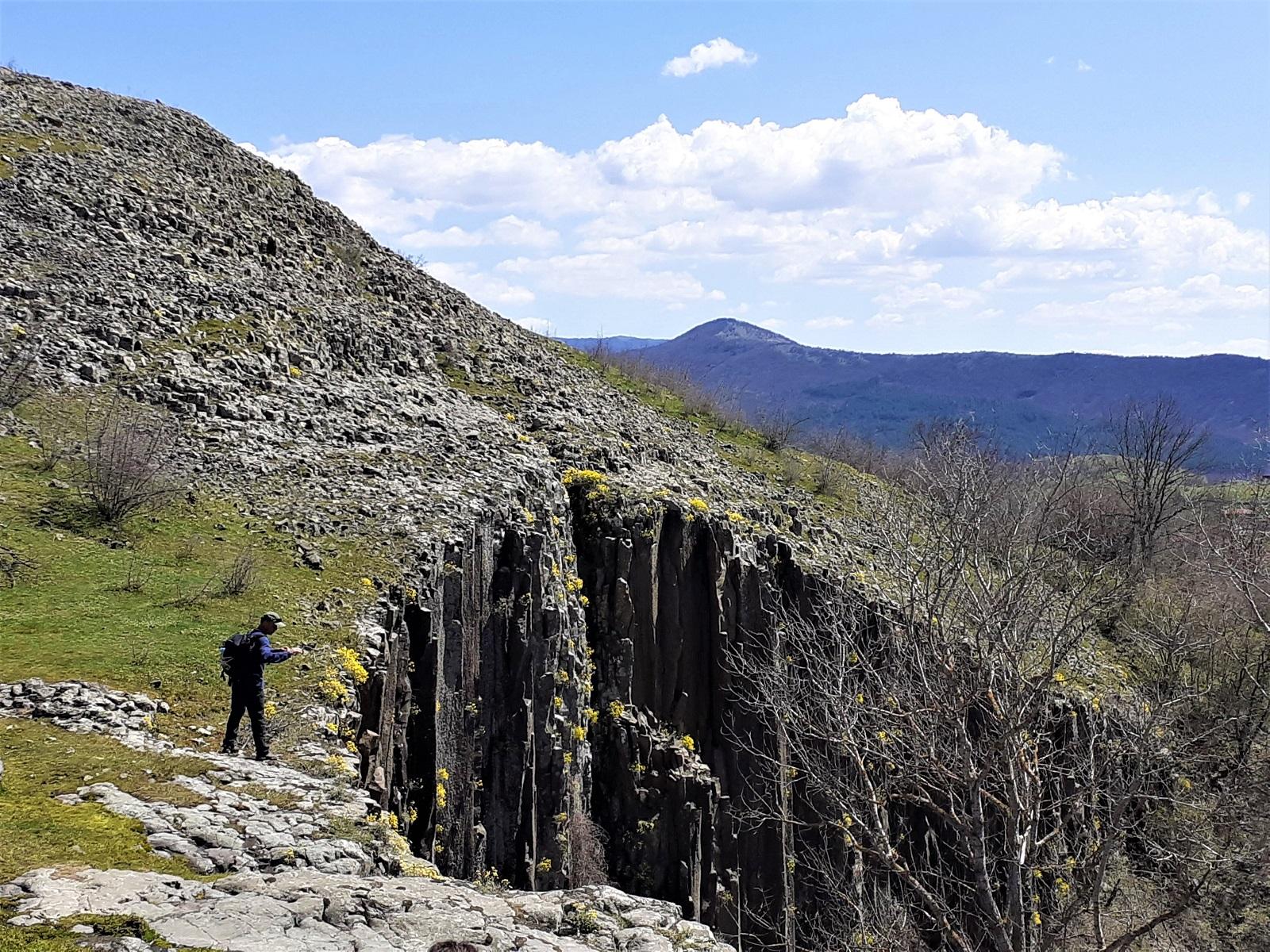 Водопад на сътворението при село Долна кула - гледка отгоре