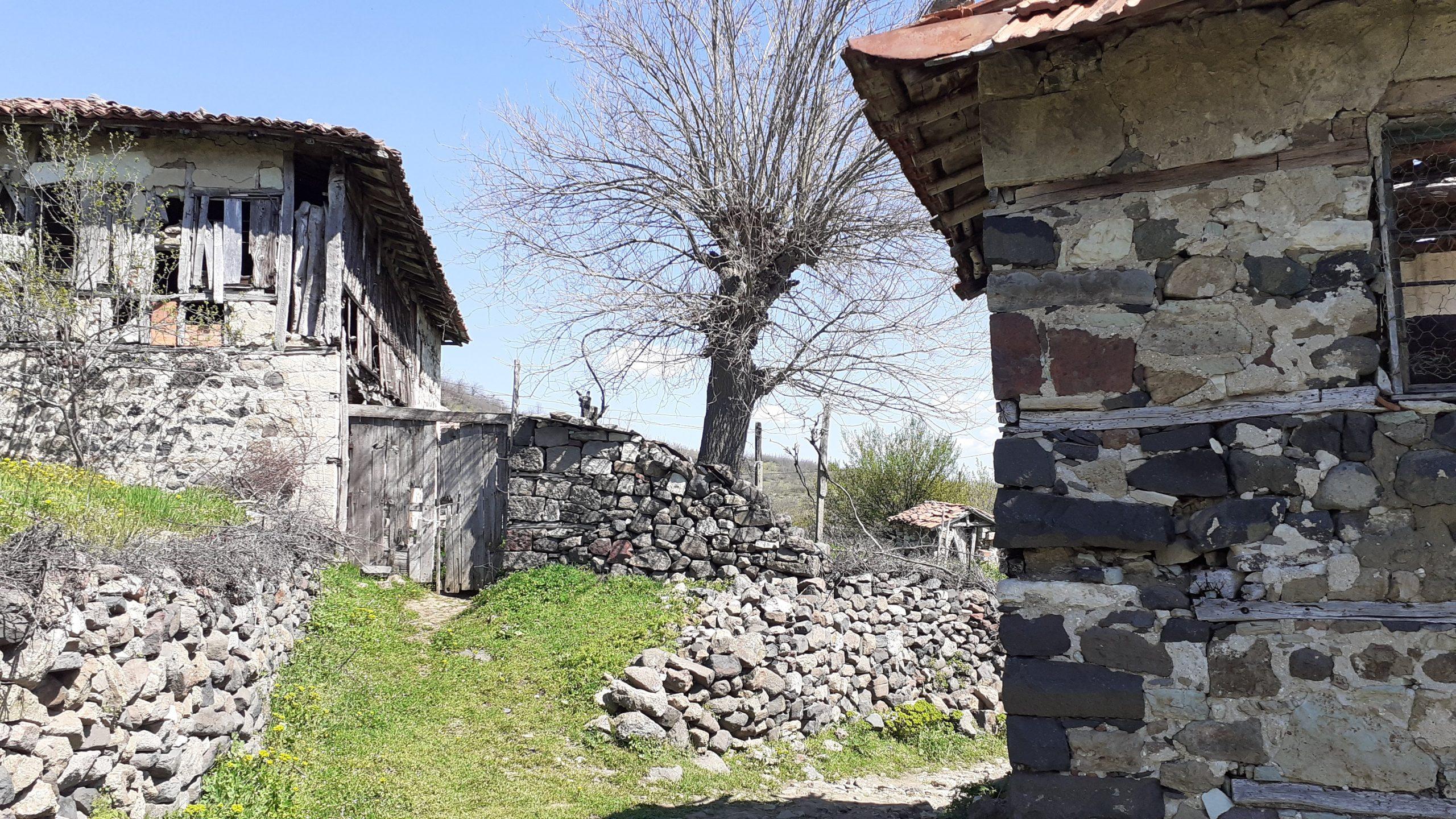 село Долна кула в ИЗточните Родопи