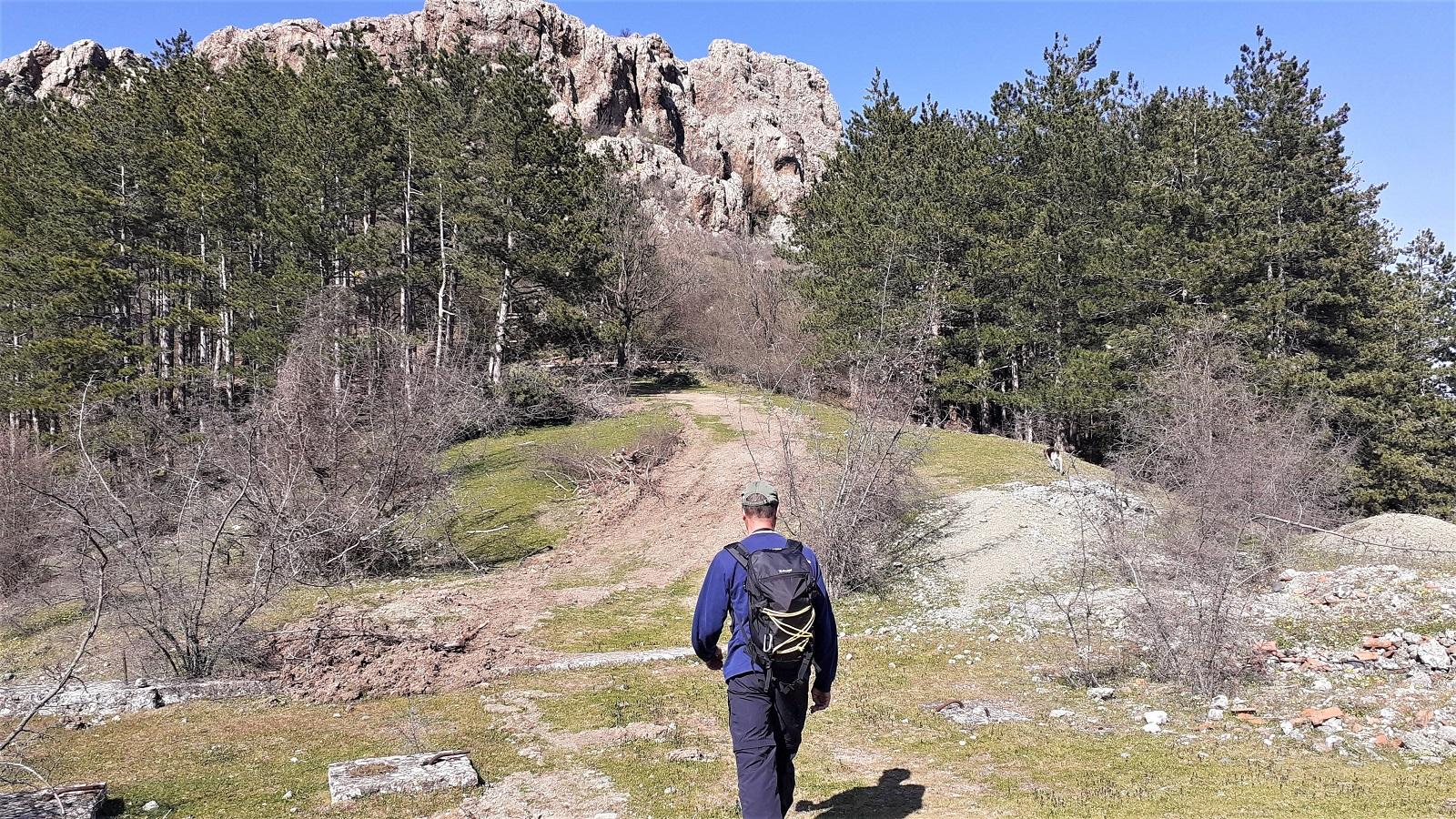 Подход към крепостта Ефраим Асара